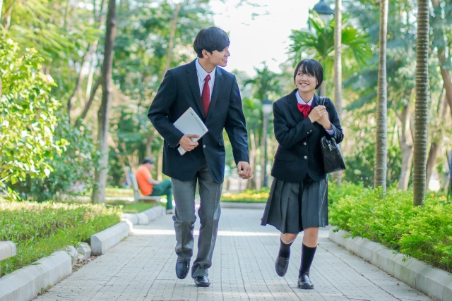 高校生のアルバイト調査(2020年)